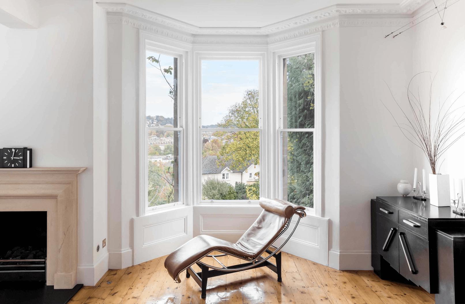 Accoya sash bay windows, white windows