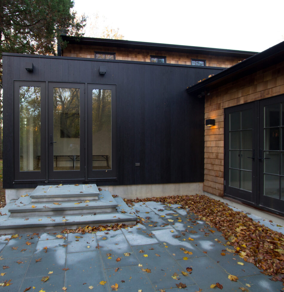 MODERN HOME USING ACCOYA® CHARRED WOOD BY RESAWN, NEW YORK