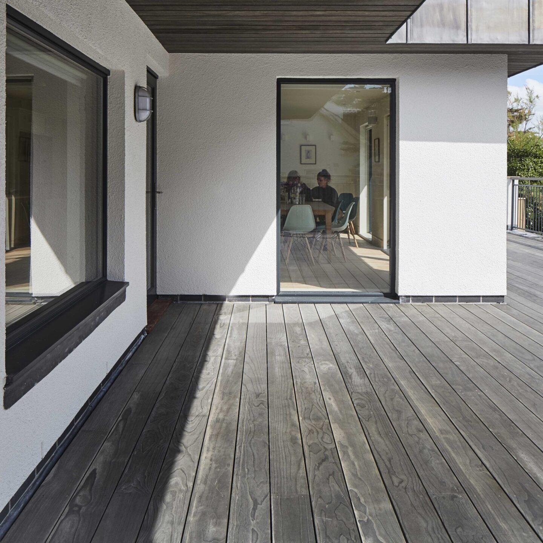 Terrasse Accoya Color Gray pour une maison individuelle