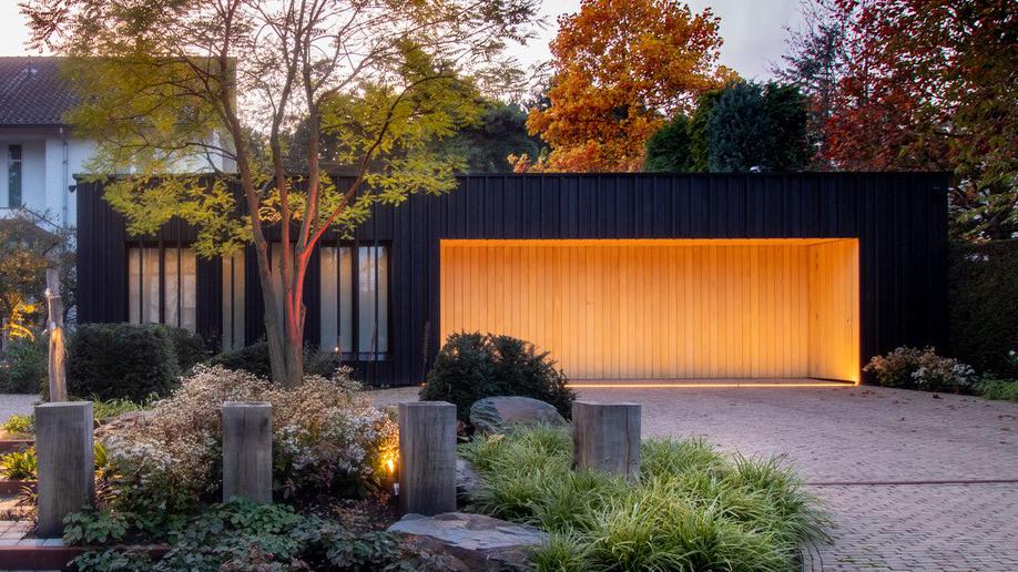 Zwarthout - private residence - Netherlands - iluminate garage