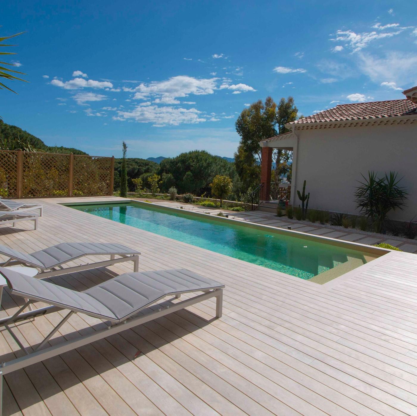 Accoya swimming pool deck in Cannes